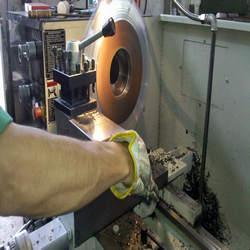 Serviços de caldeiraria e usinagem