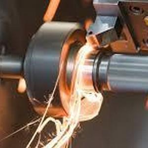 corte de metal duro por eletroerosão a fio
